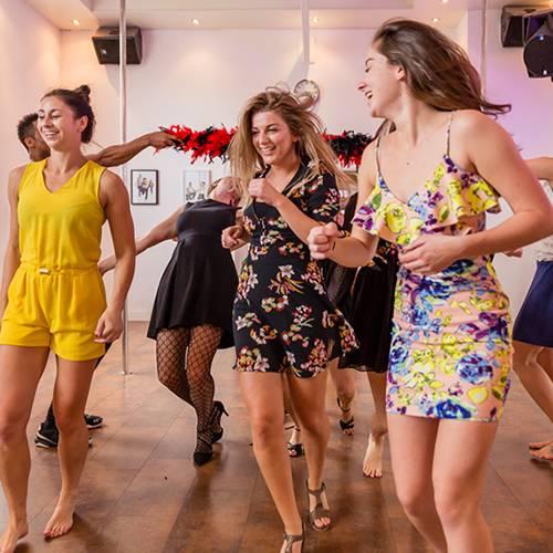 salsa-vrijgezellenfeest-vrouwen-breda